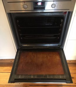 Dirty oven before transformation
